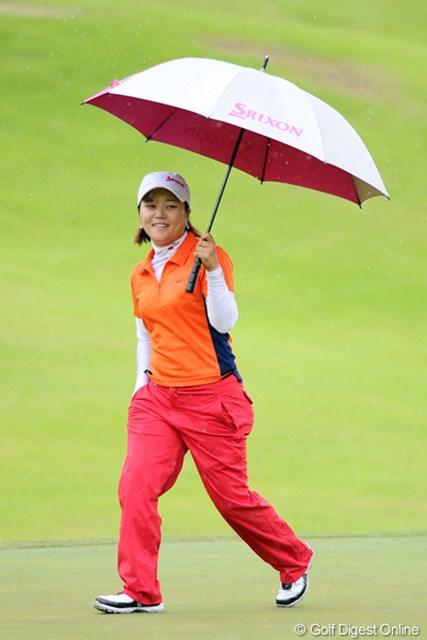 2012年 日医工女子オープンゴルフトーナメント 最終日 カン・ヨウジン さすがにスコアを落としてしもたけど、ちっちゃい身体でよく頑張りました。賞金も1000万目前まで積み上がってメデタシメデタシ。4位T