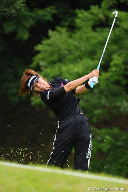2012年 日医工女子オープンゴルフトーナメント 最終日 穴井詩 初日の46位タイから徐々に順位を上げてきて20位タイと、江連軍団最上位の成績でフィニッシュ。たぶん初めてUPしたと思いますワ。
