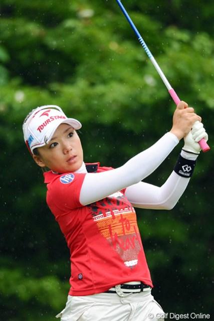 2012年 日医工女子オープンゴルフトーナメント 最終日 有村智恵 ショットは好調、荒天の中で多くのチャンスを作るもグリーン上で苦しんだ有村智恵