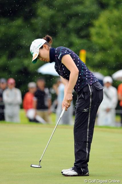 2012年 日医工女子オープンゴルフトーナメント 最終日 服部真夕 2週連続優勝こそ逃したが、単独3位と好調なプレーを継続した服部真夕