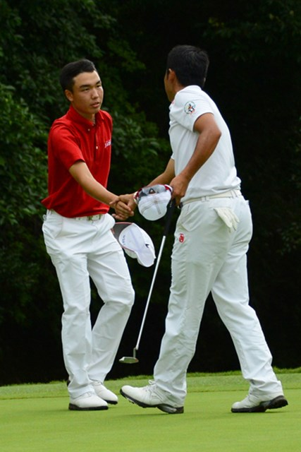 2012年 日本アマチュアゴルフ選手権競技 3日目 小西健太&松山英樹 マッチプレー2回戦で、優勝候補の松山英樹を破る金星を挙げた小西健太(写真提供:JGA)
