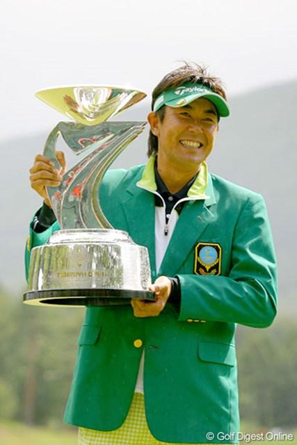 念願のツアー初優勝を飾った富田雅哉。恵まれた体格を活かし、これからも勝ち星を積み上げたい!