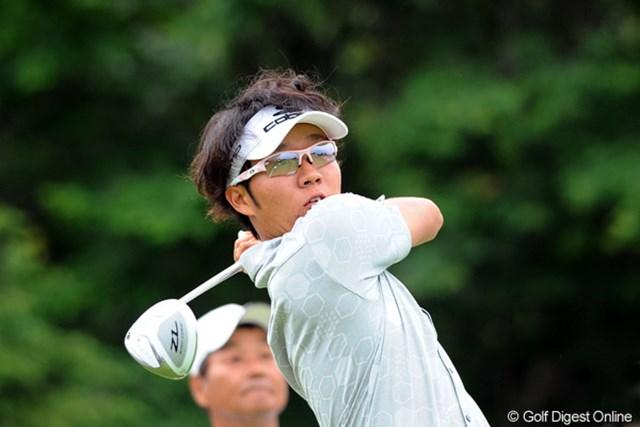 2012年 長嶋茂雄 INVITATIONAL セガサミーカップゴルフトーナメント 初日 浅地洋佑 日本の男子では珍しいコブラ契約プロ。持っていたイメージはポールターでも、ファウラーでもなく「馬場ゆかりさん」だそう。