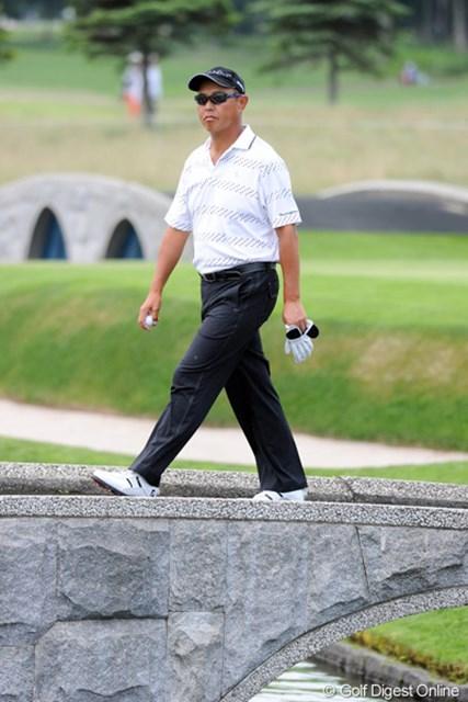 2012年 長嶋茂雄 INVITATIONAL セガサミーカップゴルフトーナメント 初日 谷口徹 2002年、07年に賞金王となった谷口徹。5年周期でタイトルを奪うか。