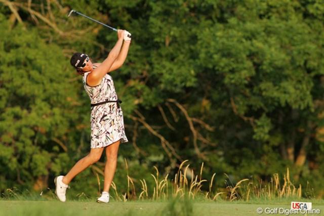 2012年 全米女子オープン 2日目 マリア・ヨース ええ~っと、ゴルフウェアですよねぇ?