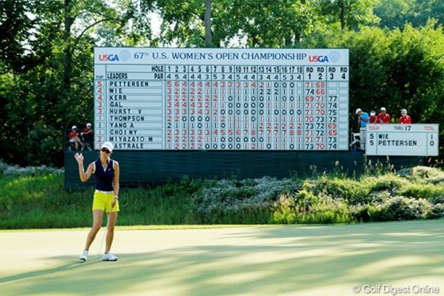 2012年 全米女子オープン 3日目 コースレコード 2日目に「66」のコースレコードをマークしたウィだが、たった1日でその記録は塗り替えられてしまった