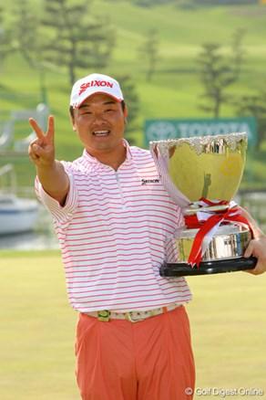 小田孔明がプレーオフで勝利、09年の開幕戦を制す!石川は4日間パープレー