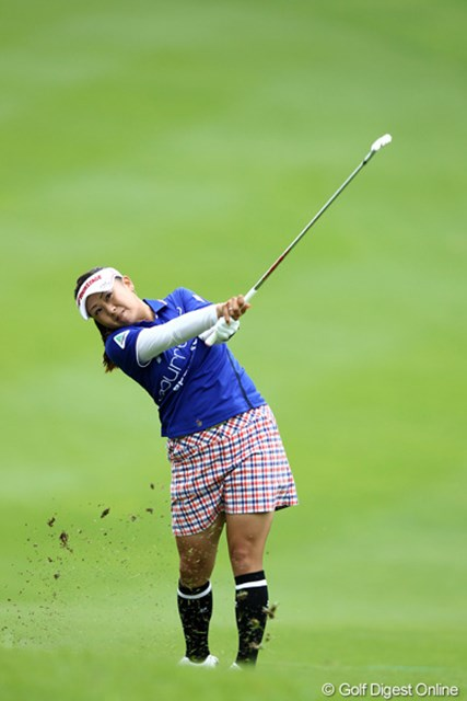 2012年 スタンレーレディスゴルフトーナメント 最終日 佐伯三貴 一時はトップタイに並んだ佐伯だったが、3ボギーは痛かった。
