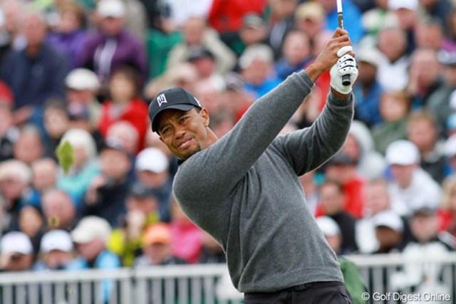2012年 全英オープン 2日目 タイガー・ウッズ 2日連続で「67」をマーク…メジャー通算15勝目へ好位置で決勝ラウンドに入るタイガー・ウッズ。