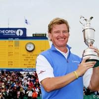 10年ぶりにメジャー優勝を果たしたビッグ・イージー。「クレイジーな試合だった」と振り返った。 2012年 全英オープン 最終日 アーニー・エルス