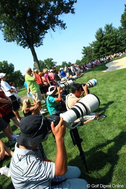 2012年 WGCブリヂストンインビテーショナル 初日 カメラマン ふと気がつくと、タイガー組についている日本人カメラマンだらけ・・・なんかすごく嫌。