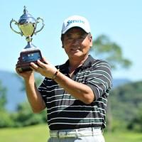 今季初勝利を逆転で飾った三好隆。2日間の短期決戦を制した ※画像提供:日本プロゴルフ協会 2012年 ISPS ハンダカップ・灼熱のシニアマスターズ 初日 三好隆
