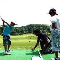 会場ではジュニアレッスン会も行われ、金谷多一郎プロや青山薫などが指導を行った 2012年 「石川遼ジュニアゴルフトーメント ワールドジュニアゴルフインビテイショナル」 最終日 ジュニアレッスン会