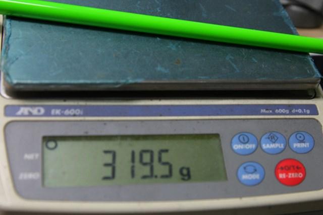 USTマミヤアッタス4U 6Sは319.5グラム、6Rは318.2グラムとなっている