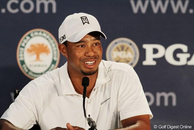 2012年 全米プロゴルフ選手権 事前 タイガー・ウッズ 今度こそ…メジャー通算15勝目の期待がかかるT.ウッズはリラックスムードで公式会見に臨んだ。