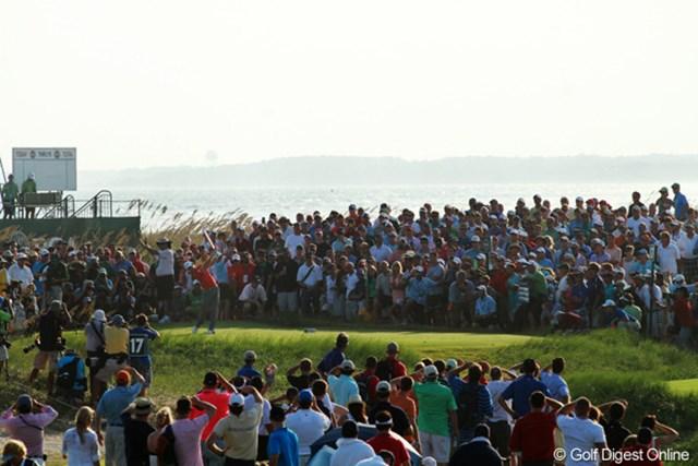 2012年 全米プロゴルフ選手権 最終日  独壇場 2位に8打差をつけ圧倒的な強さを見せ付けたマキロイ。上がりの3ホールはマキロイの表彰ステージと化した