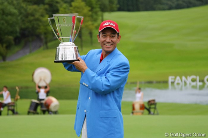 昨年大会は、キム・ジョンドクがシニアツアー参戦2戦目にして初勝利。賞金王戴冠への足がかりとした 2012年 ファンケルクラシック 事前情報 キム・ジョンドク