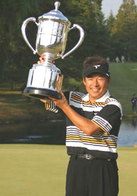 2003年 ブリヂストンオープンゴルフトーナメント 最終日 尾崎直道 3年ぶりの優勝でツアー30勝を達成した尾崎直道