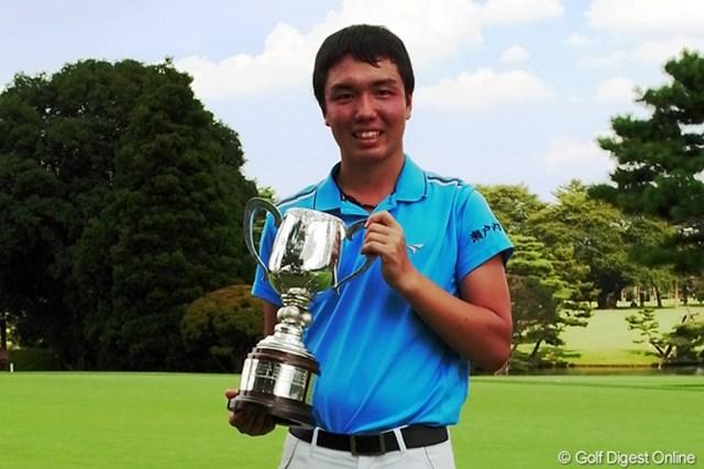 5連続バーディなど怒涛のバーディラッシュで逆転優勝を果たした小西健太。