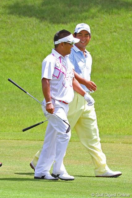 2012年 関西オープンゴルフ選手権競技 最終日  最終日最終組をともにした池田勇太と篠崎紀夫。師弟ともに勝利を逃す結果に