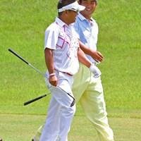 最終日最終組をともにした池田勇太と篠崎紀夫。師弟ともに勝利を逃す結果に 2012年 関西オープンゴルフ選手権競技 最終日