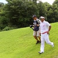 緊迫の最終組の中で、笑顔は篠崎紀夫が一番多かった気がします 2012年 関西オープンゴルフ選手権競技 最終日 篠崎紀夫