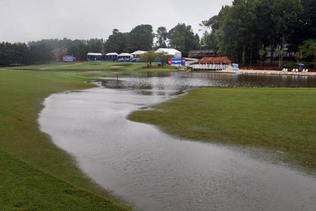 2012年 ウィンダム選手権 最終日 コース 豪雨のためコース内は水が氾濫、決勝ラウンドは月曜日に持ち越された(Hunter Martin/Getty Images)
