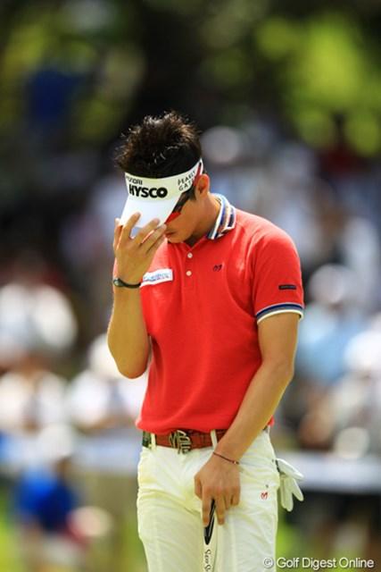 2012年 VanaH杯KBCオーガスタゴルフトーナメント 最終日 金亨成 絶対にバーディが欲しい9番で短いバーディパットを外し茫然。
