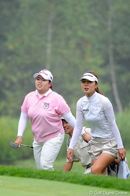 2012年 ニトリレディスゴルフトーナメント 最終日 アン・ソンジュ、カン・スーヨン 先輩のスーヨンと2人でララちゃんを撃破したっちゅう感じかなァ…。終わってみれば韓流軍団の1,2,3フィニッシュです。あんたらはジャマイカか!っちゅうねん。