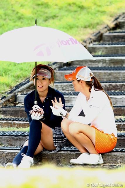 2012年 ゴルフ5レディスプロゴルフトーナメント 初日 辻村明須香&甲田良美 女子会?