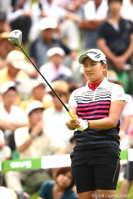 2012年 ゴルフ5レディスプロゴルフトーナメント 2日目 成田美寿々 まだ19歳の成田美寿々。今年シード権を取って、来年ファイナルからのプロテスト受験を目論んでいる