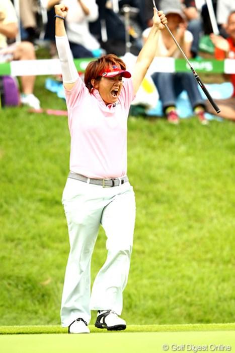 18番バーディ、吠えた吠えた吠えた~ 2012年 ゴルフ5レディスプロゴルフトーナメント 最終日 ウェイ・ユンジェ