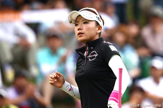 2012年 ゴルフ5レディス 最終日 有村智恵 米ツアーへの挑戦を表明した有村智恵。複数年シード権を得られる国内メジャーへのモチベーションも大幅アップだ。