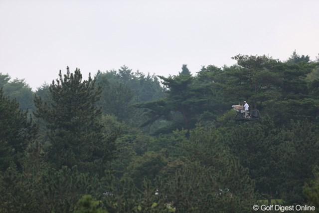 2012年 日本女子プロゴルフ選手権大会コニカミノルタ杯 初日 TVクルー おおぉっ!あんなところにカメラが!