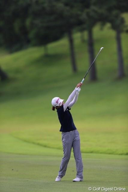 2012年 日本女子プロゴルフ選手権大会コニカミノルタ杯 初日 永井奈都 あの-、私ってどうなっちゃってますかー?