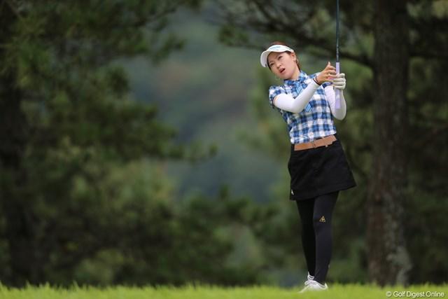 2012年 日本女子プロゴルフ選手権大会コニカミノルタ杯 初日 竹村真琴 あーん、どうしたの?おじさんフェアウェイに蹴っぽってきてあげよーか?