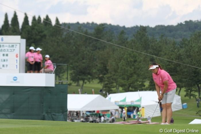 ルーキー達とウェアがカブっちゃったわ。 2012年 日本女子プロゴルフ選手権大会コニカミノルタ杯 2日目 福嶋晃子