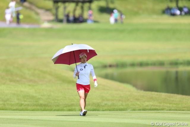 2012年 日本女子プロゴルフ選手権大会コニカミノルタ杯 2日目 有村智恵 TODAY-7と猛烈な追い上げを見せながらも…上がりホールこの冷静な顔はつまらない。