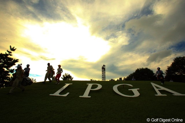 2012年 日本女子プロゴルフ選手権大会コニカミノルタ杯 3日目 17番ティ とても長い1日もあと残り2ホール。