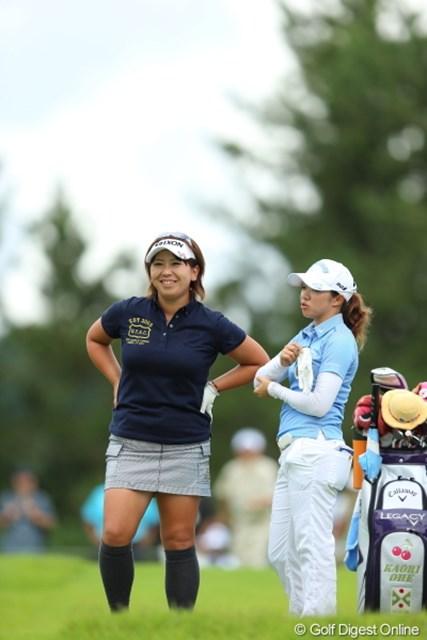2012年 日本女子プロゴルフ選手権大会コニカミノルタ杯 3日目 吉田弓美子 大江香織 この二人はリラックスしてプレイ。残りのA様は終始ストイックな感じ。