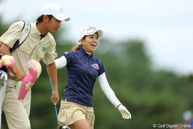 2012年 日本女子プロゴルフ選手権大会コニカミノルタ杯 3日目 中村香織 ヒャーナイスショットって気持ちいいねー!