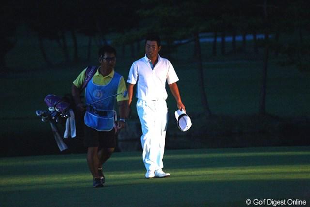 2012年 TOSHIN GOLF TOURNAMENT IN 涼仙 最終日 池田勇太 暗闇の中で行われたプレーオフ4ホール目で敗れた池田勇太