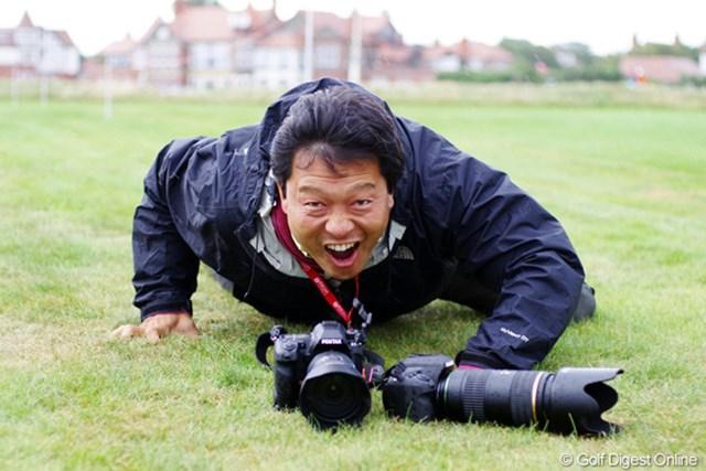 田辺安啓 今週はリコー(PENTAX)のカメラを使って撮影に挑む田辺安啓(JJ)カメラマン。やる気がみなぎって、吠えています!