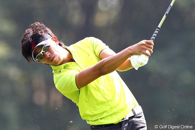 2012年 ANAオープンゴルフトーナメント 3日目 上井邦浩 大混戦の上位陣。3日間、淡々とスコアを伸ばした上井邦浩は逆転優勝の期待がかかる。