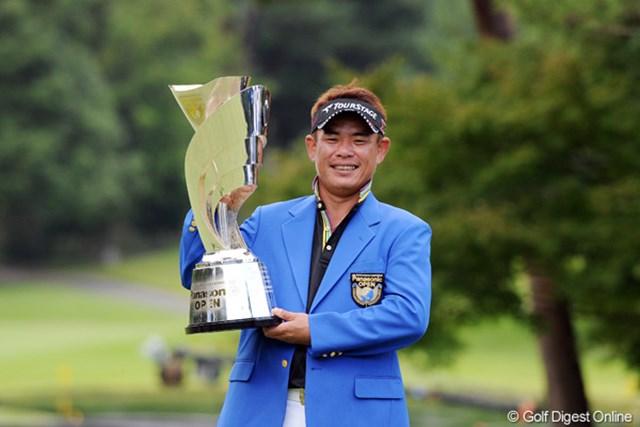 昨年大会は平塚哲二が愛着のある琵琶湖CCで逆転勝利をおさめた。