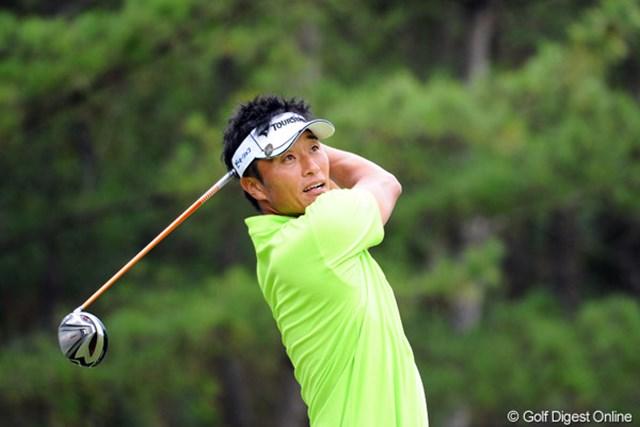 2012年 アジアパシフィックオープンゴルフチャンピオンシップ パナソニックオープン 初日 宮本勝昌 昨日、藤田君にみっちりとレッスンを受けた甲斐があって(?)、7バーディ、ノーボギーの完璧ゴルフで絶好のスタートを切りました。2位T