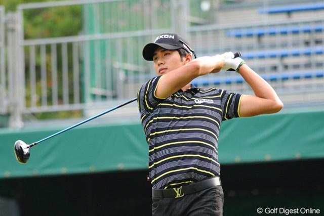 2012年 アジアパシフィックオープンゴルフチャンピオンシップ パナソニックオープン 初日 キム・ドフン 今日は海外勢がまったく不振でした。特にカタカナの名前のアジア勢はサッパリで、韓流のドックン君の6アンダー、6位が最上位です。