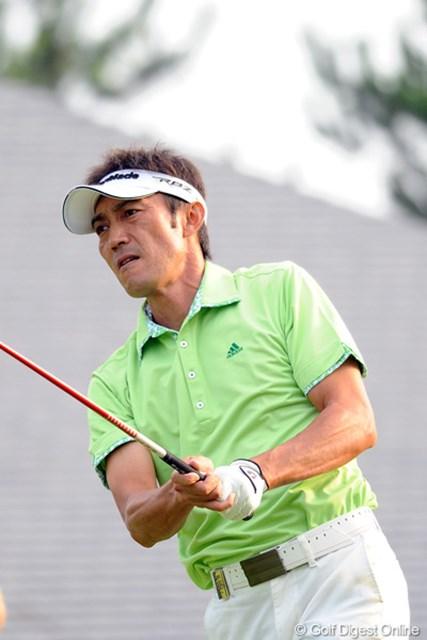 2012年 アジアパシフィックオープンゴルフチャンピオンシップ パナソニックオープン 初日 河井博大 初優勝の時もそうでしたけど、兵庫県での大会では、よ~く上位に顔を出します。この人も私&コーメーちゃんのように、三宮がすきなのでしょうか…