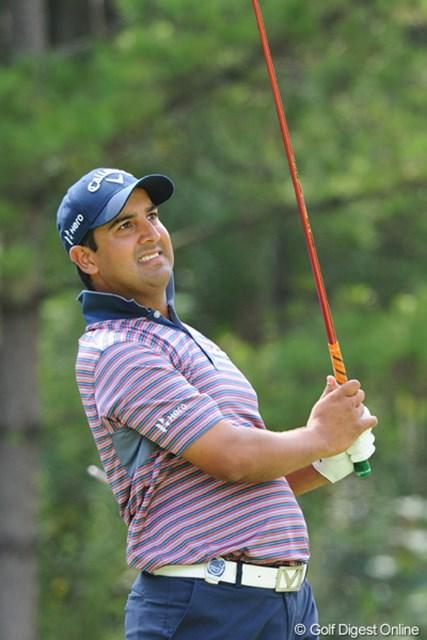 2012年 アジアパシフィックオープンゴルフチャンピオンシップ パナソニックオープン 最終日 シーブ・カプール 5バーディ、1ボギーとスコアを伸ばしました。顔に似合わず(失礼)4日間60台でまとめるステディなプレーが光っておりました。インドの人です。4位T