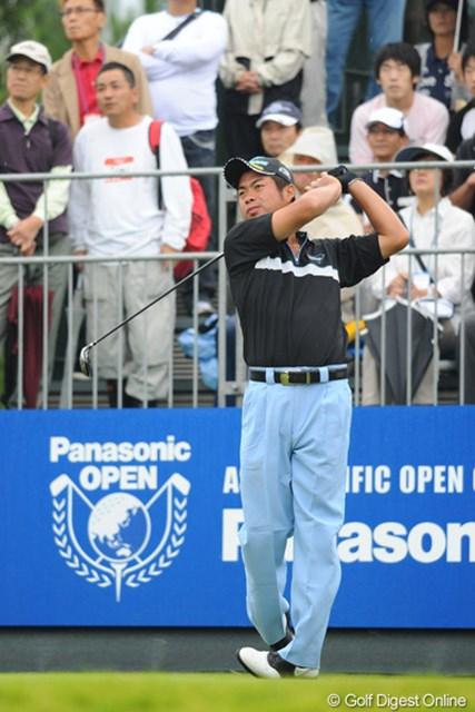 2012年 アジアパシフィックオープンゴルフチャンピオンシップ パナソニックオープン 最終日 池田勇太 裏街道スタートで、前半4つスコアを伸ばして意地を見せました。綾田紘子プロがギャラリーに混じって応援してはりました。26位T